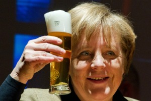 angela_merkel_with_beer